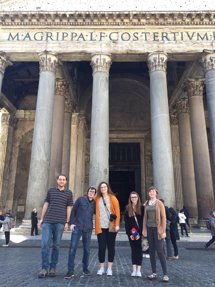 Students visit the Pantheon in Rome, Italy as part of a Literature Abroad course.